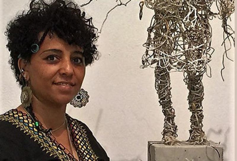 Yenatfenta Abate ist eine äthiopisch-deutsche Künstlerin mit dem Schwerpunkt 'Freie Kunst' (Conceptual Art), sie lebt und arbeitet in Berlin und Hamburg. Im Jahre 1993 studierte sie an der Hochschule für Bildende Künste in Hamburg bei den Professoren Gott